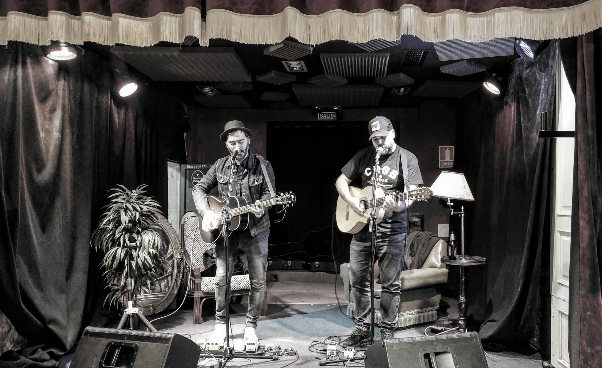 Presentación de 'Lluvia y truenos' de Mc Enroe y The New Raemon en Oviedo. / LA SALVAJE