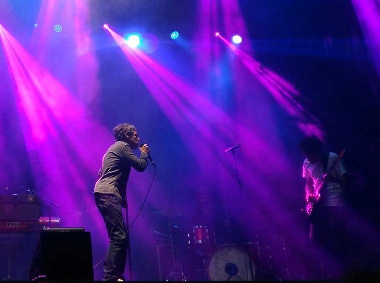 Iván Ferreiro en el concierto de Metrópoli en Gijón.