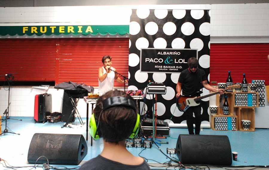 Rayotáser durante su actuación el domingo en la plaza de Abastos.